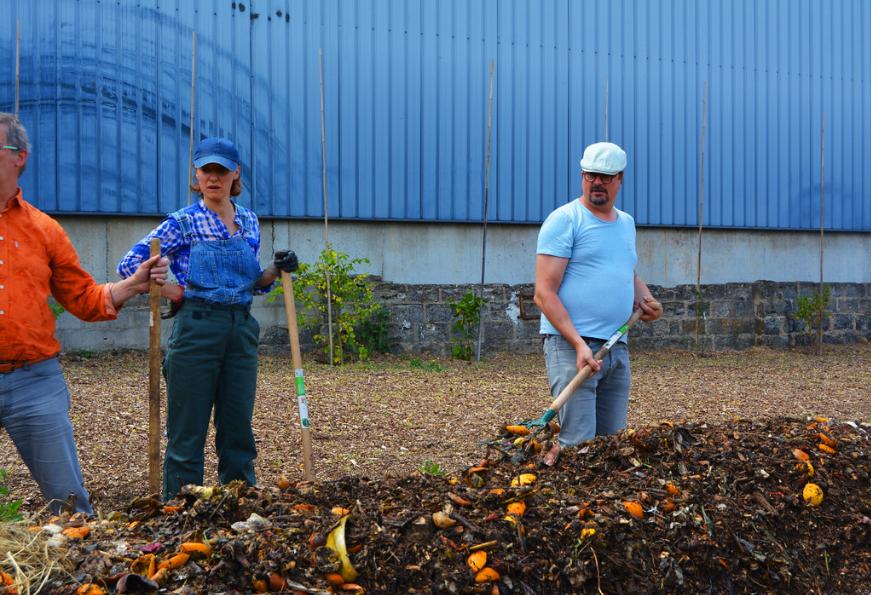 Vive les groues - l'ecole du compost